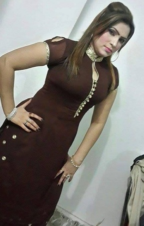 Pakistani Stage Drama Actress And Dancer Nida In Beautiful Dress