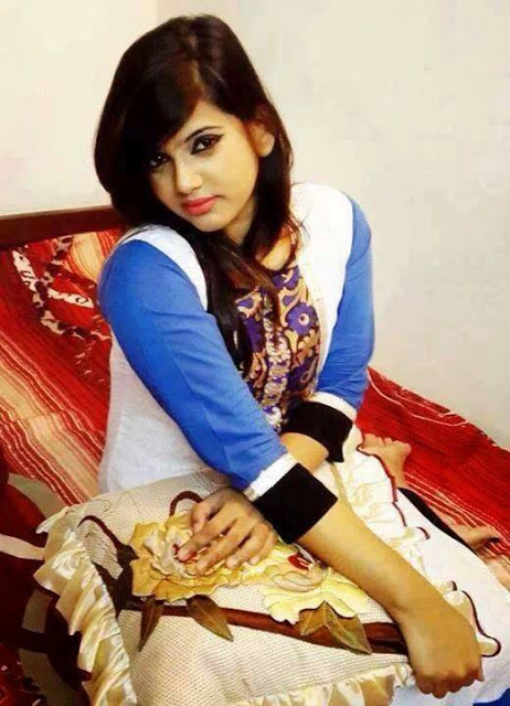 Cute Dubai Girl Hania Looking Nice