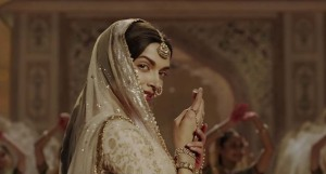 deepika-looking-very-beautiful-bajirao-movie