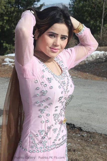Pashto Actress Looking Very Nice In Pink Dress