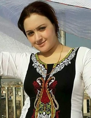 Pashto Film Actress In Beautiful Dress Photo Shoot