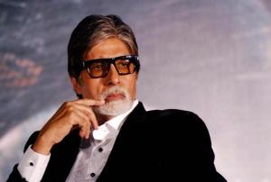 shahen-shah-amitabh-thinking-pose