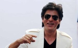 nice-smiling-snap-of-shahrukhkhan